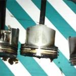 Вот этот поршень деформировался при перегреве двигателя (риски на боку от трения о гильзу цилиндра).