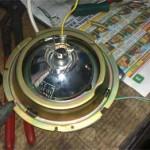 """Извлеченная из кожуха """"копеечная"""" фара практически тех же размеров, что и штатные фары Pajero Jr. и с такой же лампой Н4."""