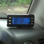 Средняя кнопка слева включает таймер на 5 минут и после срабатывает звуковой сигнал будильника.