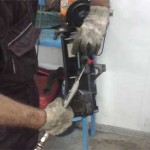 Продувка каналов сапуна клапанной крышки Pajero Jr. сжатым воздухом