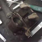 Замененный внутренний сальник тормозного суппорта Pajero Jr. перед установкой наружного сальника с поршнем в суппорт