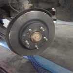 Ставим новый тормозной диск Pajero Jr. на ступицу