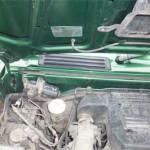 Слева внутри моторного отсека пришлось снимать мотор дворников